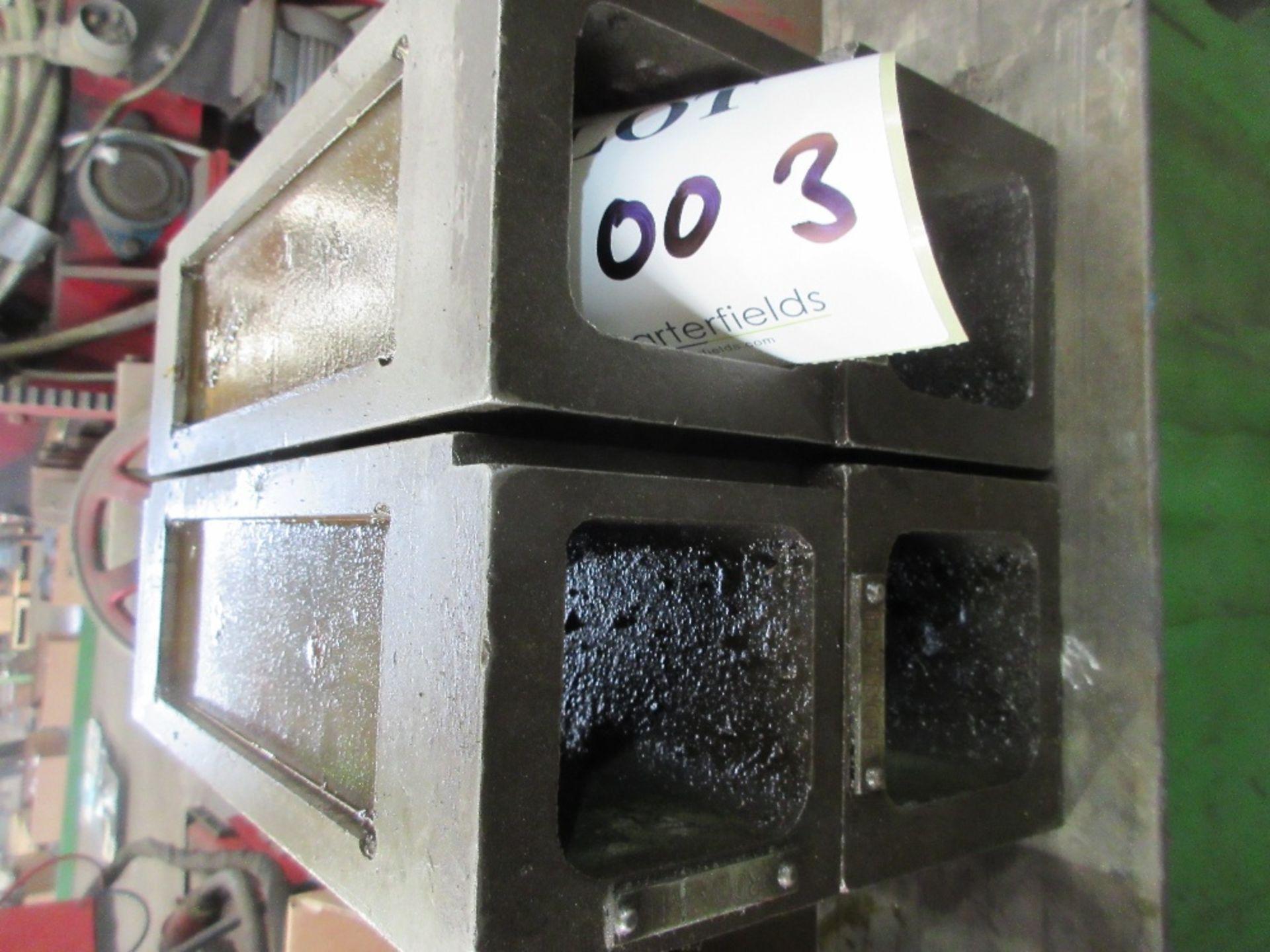 Lot 1003 - Precision interlocking machine blocks