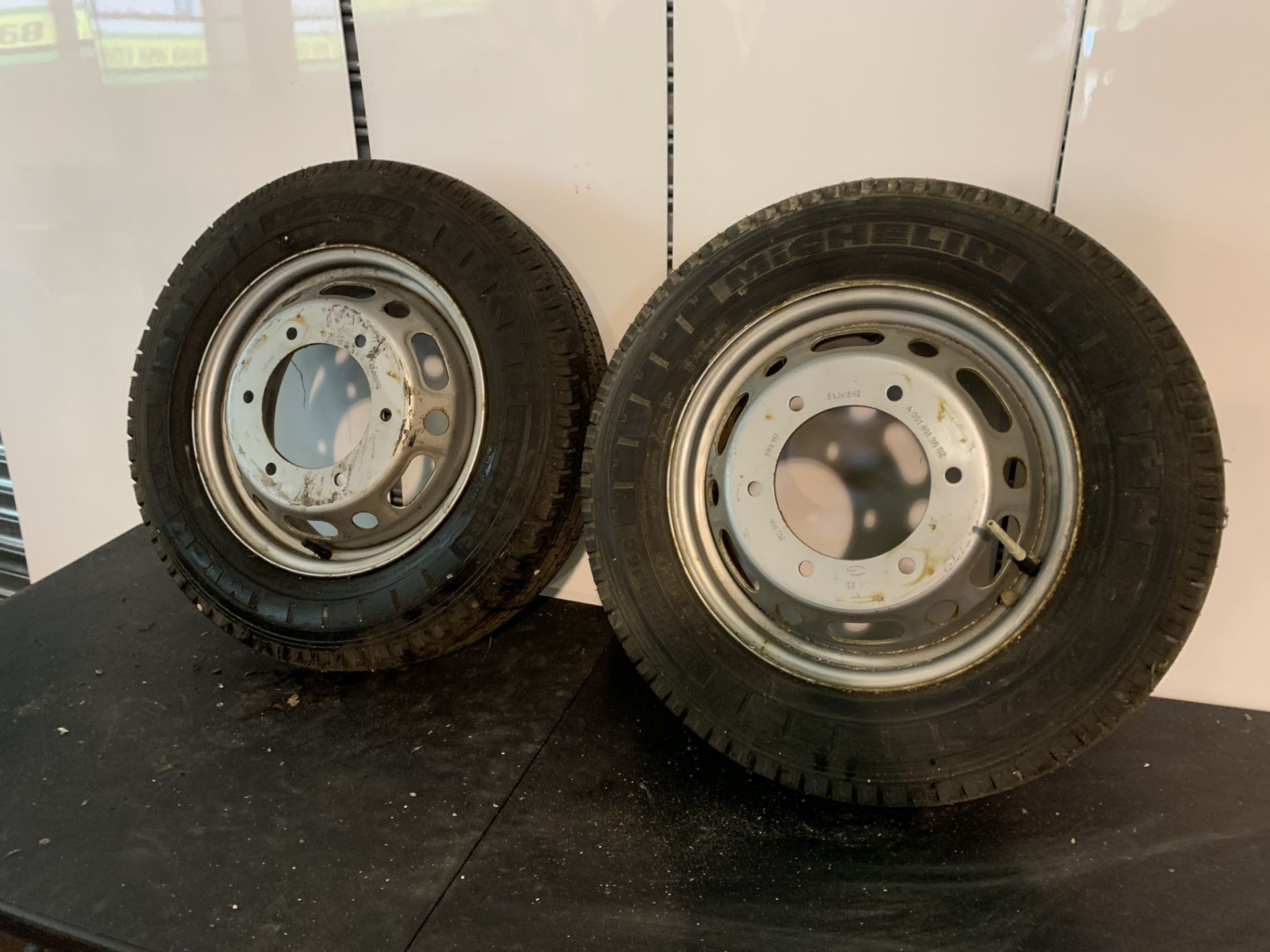 Lot 52 - 2 X VW VOLKSWAGEN CRAFTER WHEELS & TYRES DONE 12 MILES ONLY