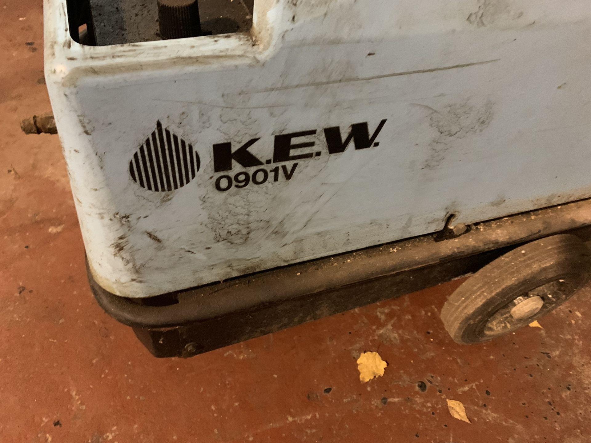 Lot 3 - KEW 0901V STEAM CLEANER