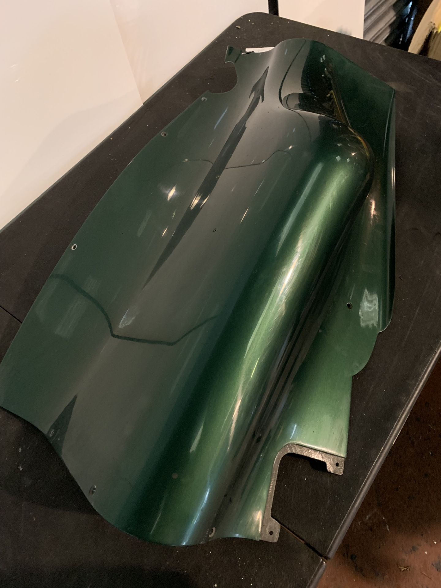 Lot 59 - CATERHAM F1 RACE CAR PART - L/H REAR LOWER END FARING