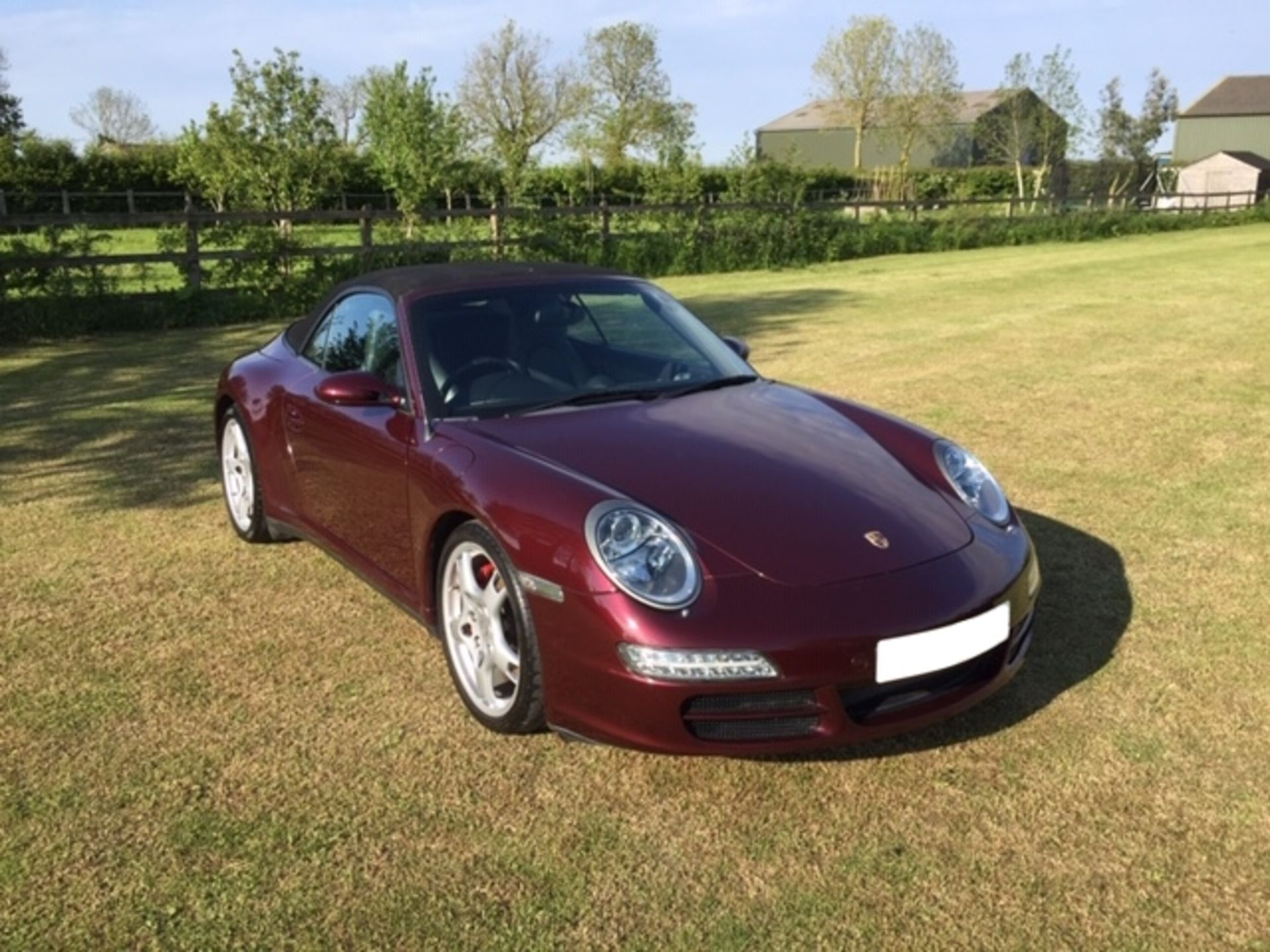 Lot 10 - Porsche 911 Carrera 4S Genuine 22k Miles From New -2006