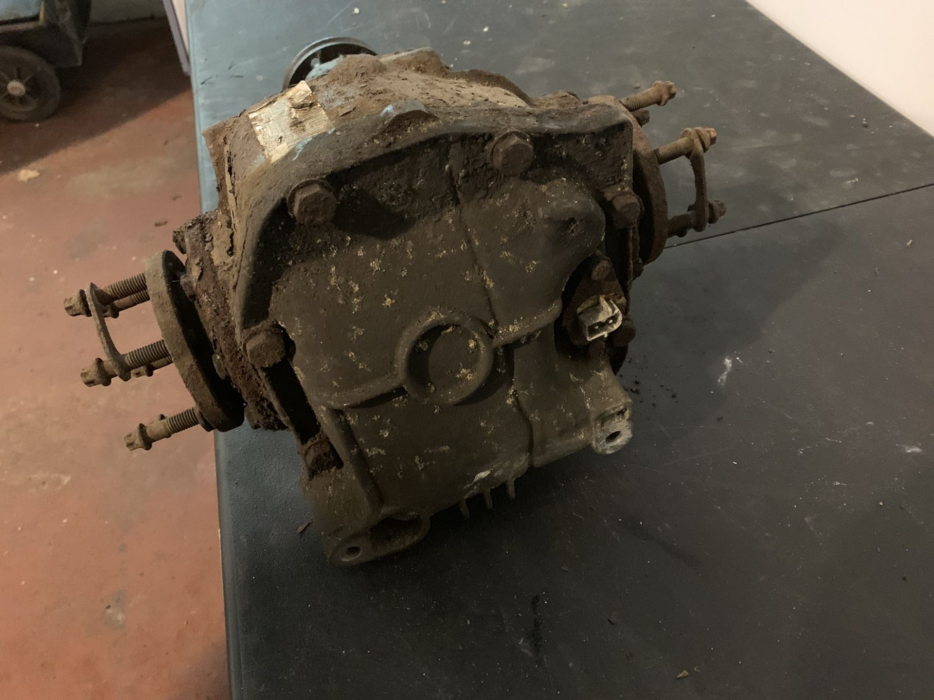 Lot 48 - REAR DIFF FOR BMW E36 M3