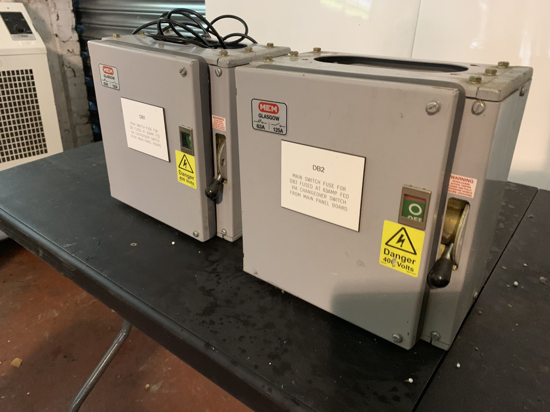 Lot 11 - 3 X FUSE SWITCH / CHANGEOVER SWITCH
