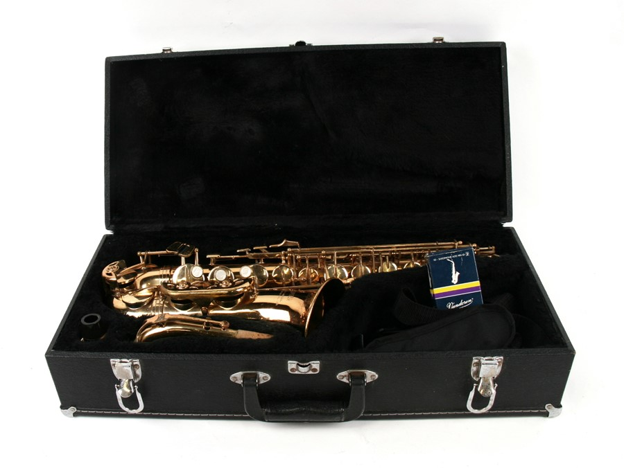 Lot 116 - A KHS Musical Instrument Co Ltd Jupiter saxophone, cased.Condition Report No damage overall, key
