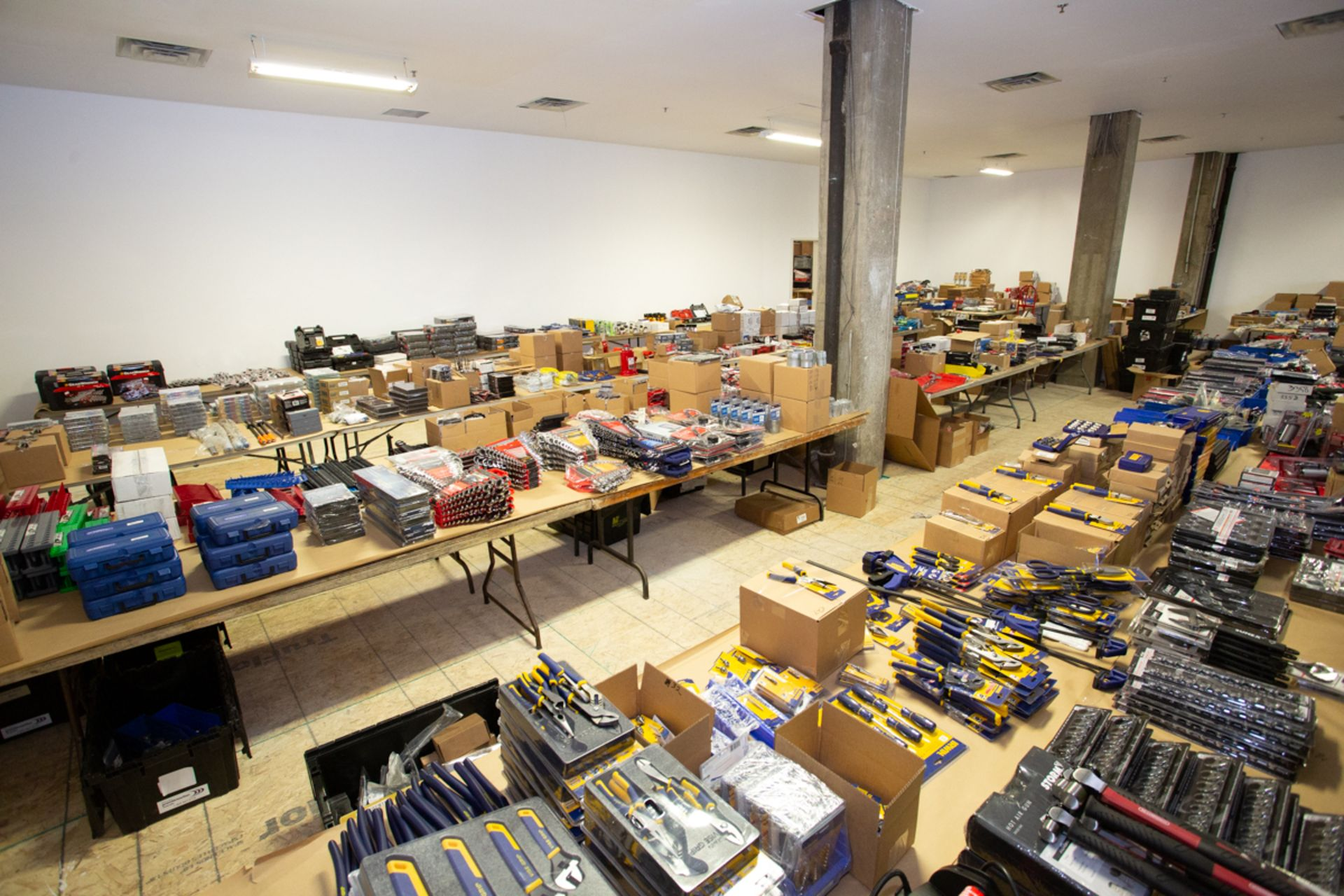 Lot 0A - LARGE SELECTION OF NEW AUTOMOTIVE SERVICE EQUIPMENT: