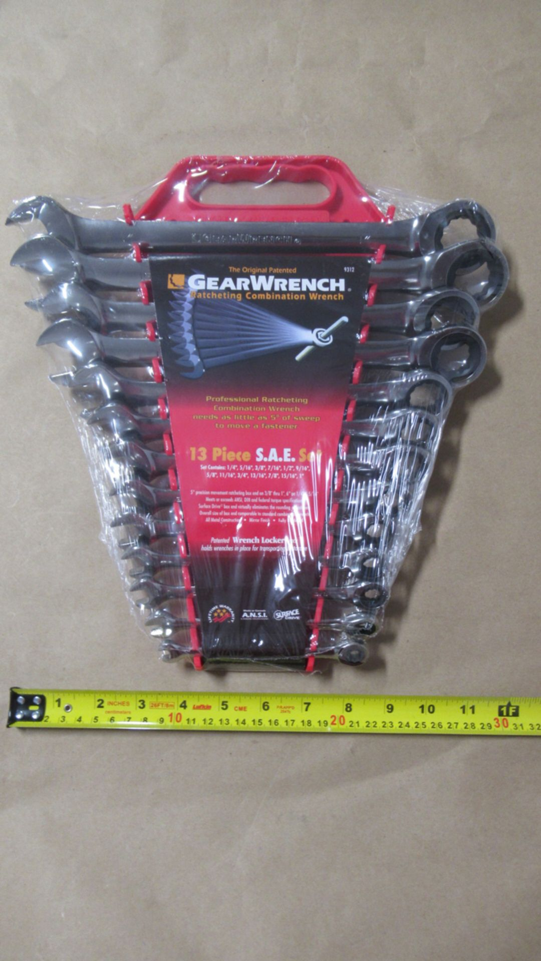 "Lot 141 - 13 PCS SAE 1/4""-1"" RATCHETING COMBINATION WRENCH GW 9312"