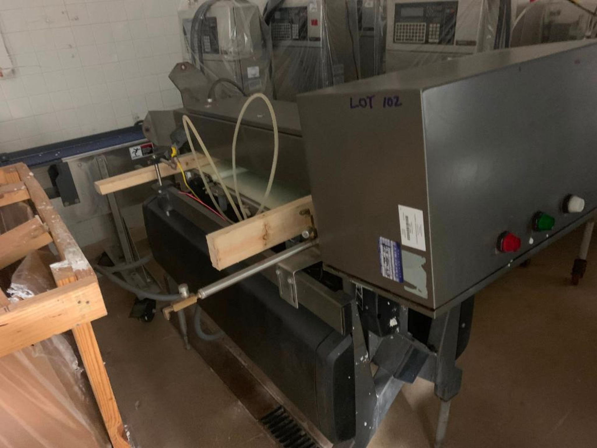 Lot 102 - Mettler Toledo check weigher. (Located in Manawa, WI)