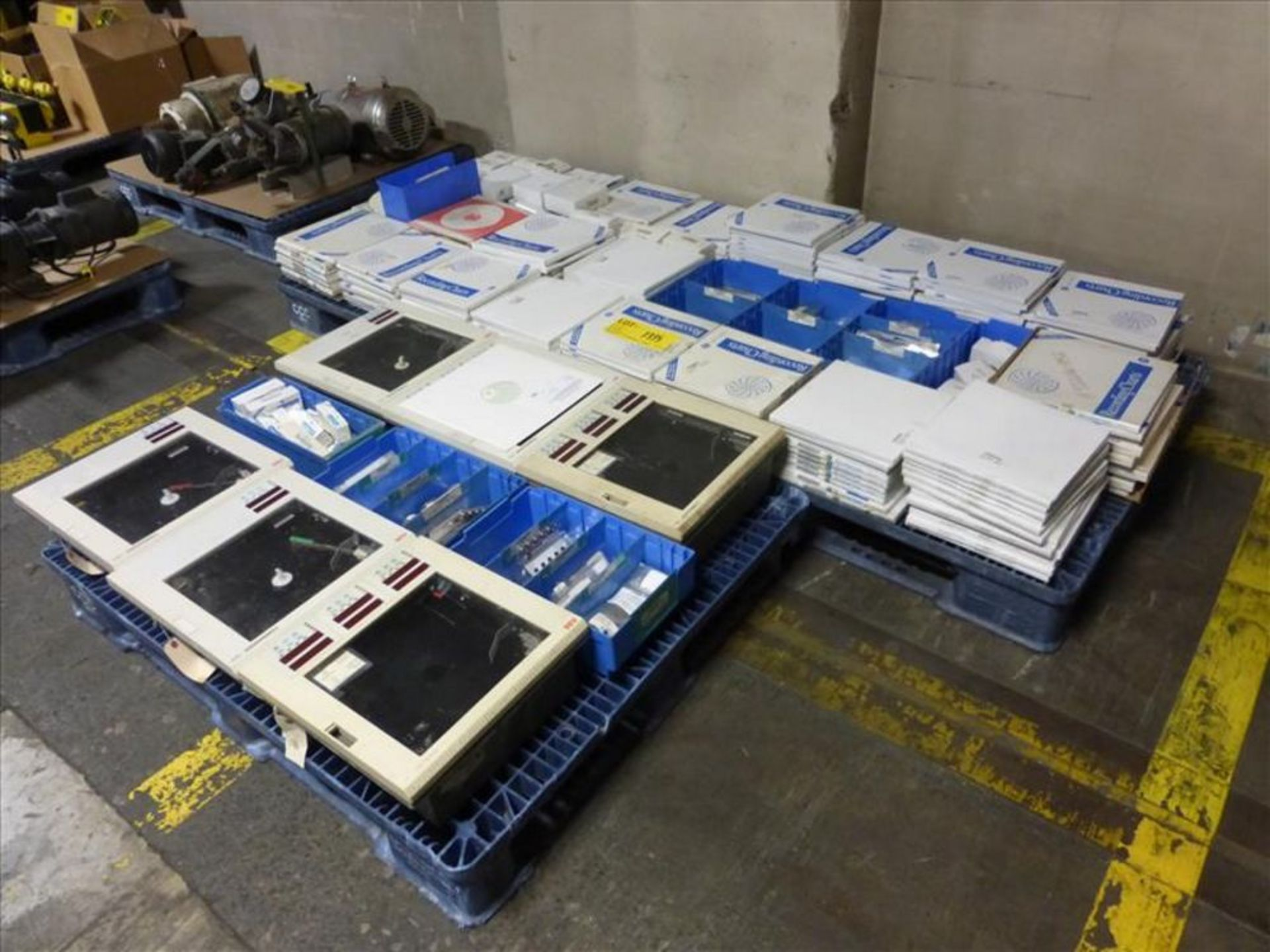 Lot 1335 - (6) ABB Chart Recorder with Chart Recorder Chart, Pen, Model 500 (3 Pallets) [Across from 1st Flr
