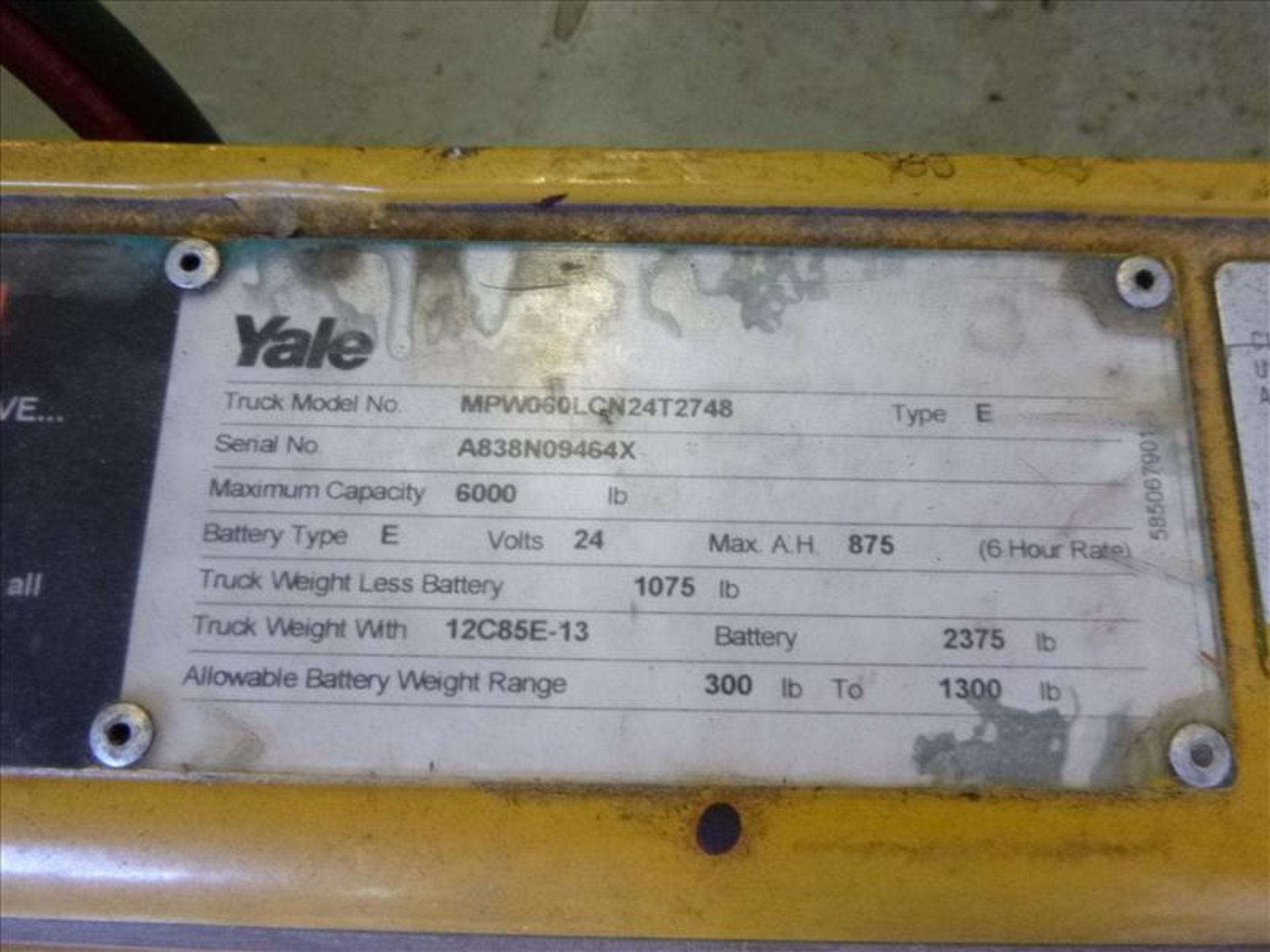 Lot 2028 - Yale walk-behind pallet truck, mod. MPW060LNC24T2748, ser. no. A838N09464X, 24V electric, 6000 lbs