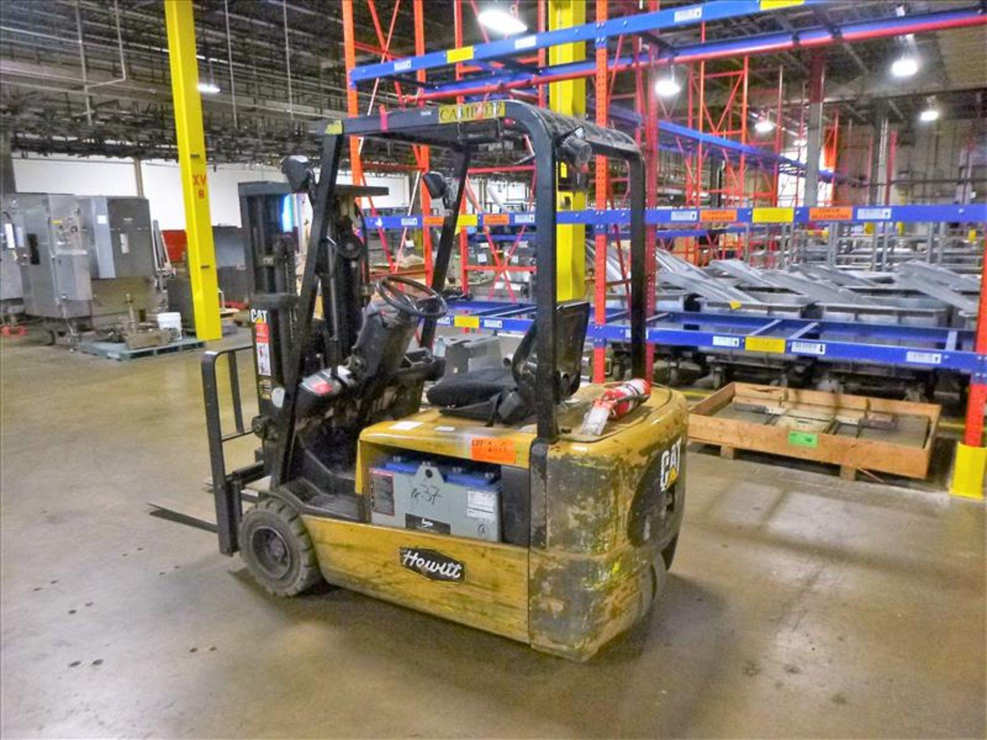 Caterpillar fork lift truck, mod. EC20KT, ser. no. ETB5A50553, 48V electric, 3750 lbs cap., 159 - Image 2 of 4