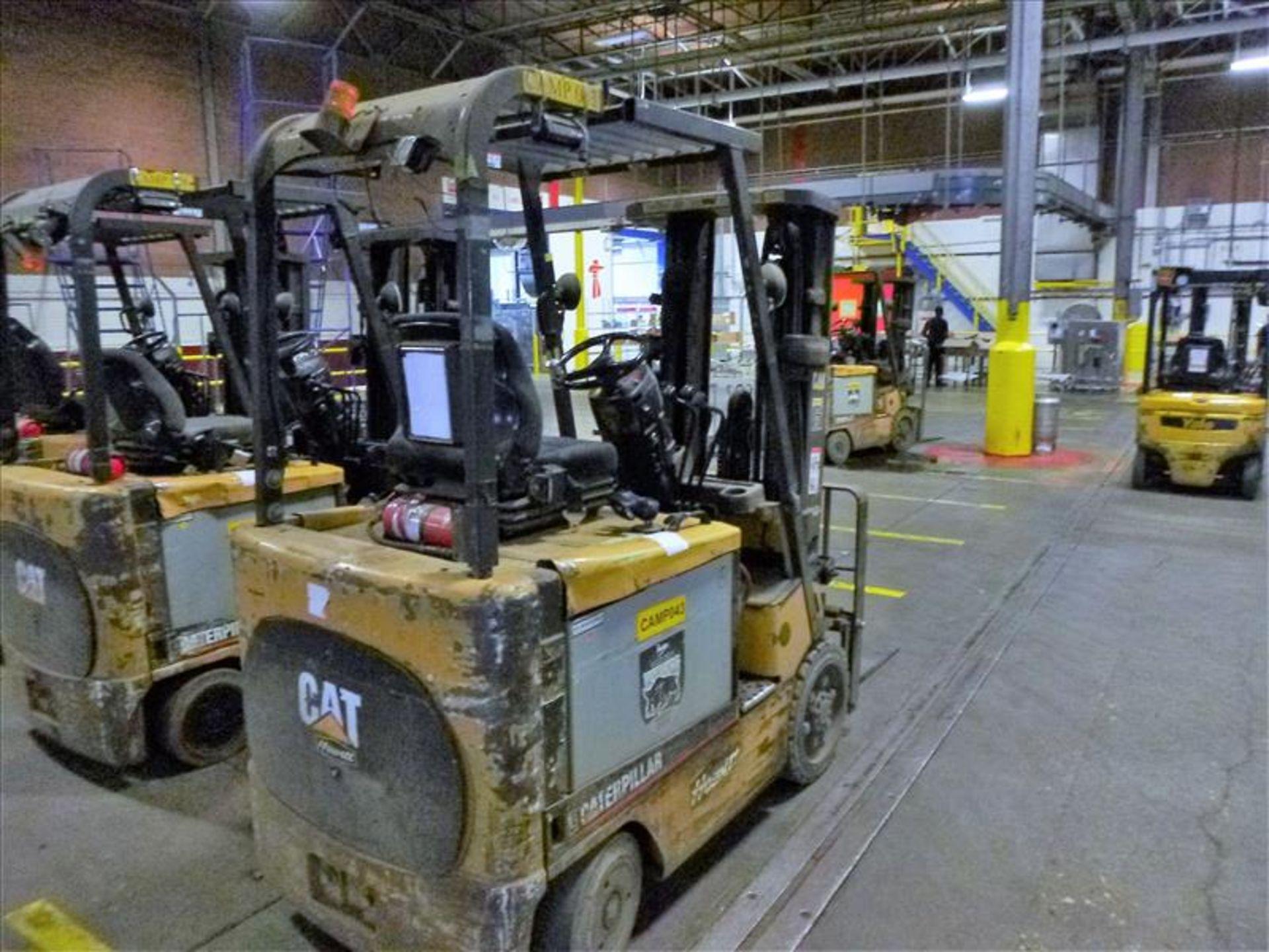 Lot 2010 - Caterpillar fork lift truck, mod. EC25K, ser. no. A3EC230480, 48V electric, 4450 lbs cap., 188 in.