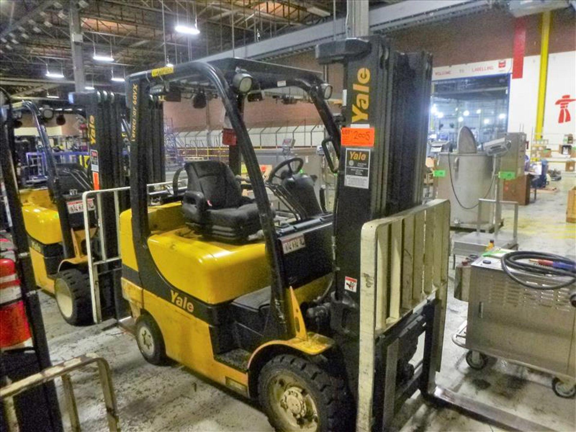 Yale fork lift truck, mod. GLC060VXNSEE085, ser. no. A910V23178L, LPG, 5500 lbs cap., 181 in. lift