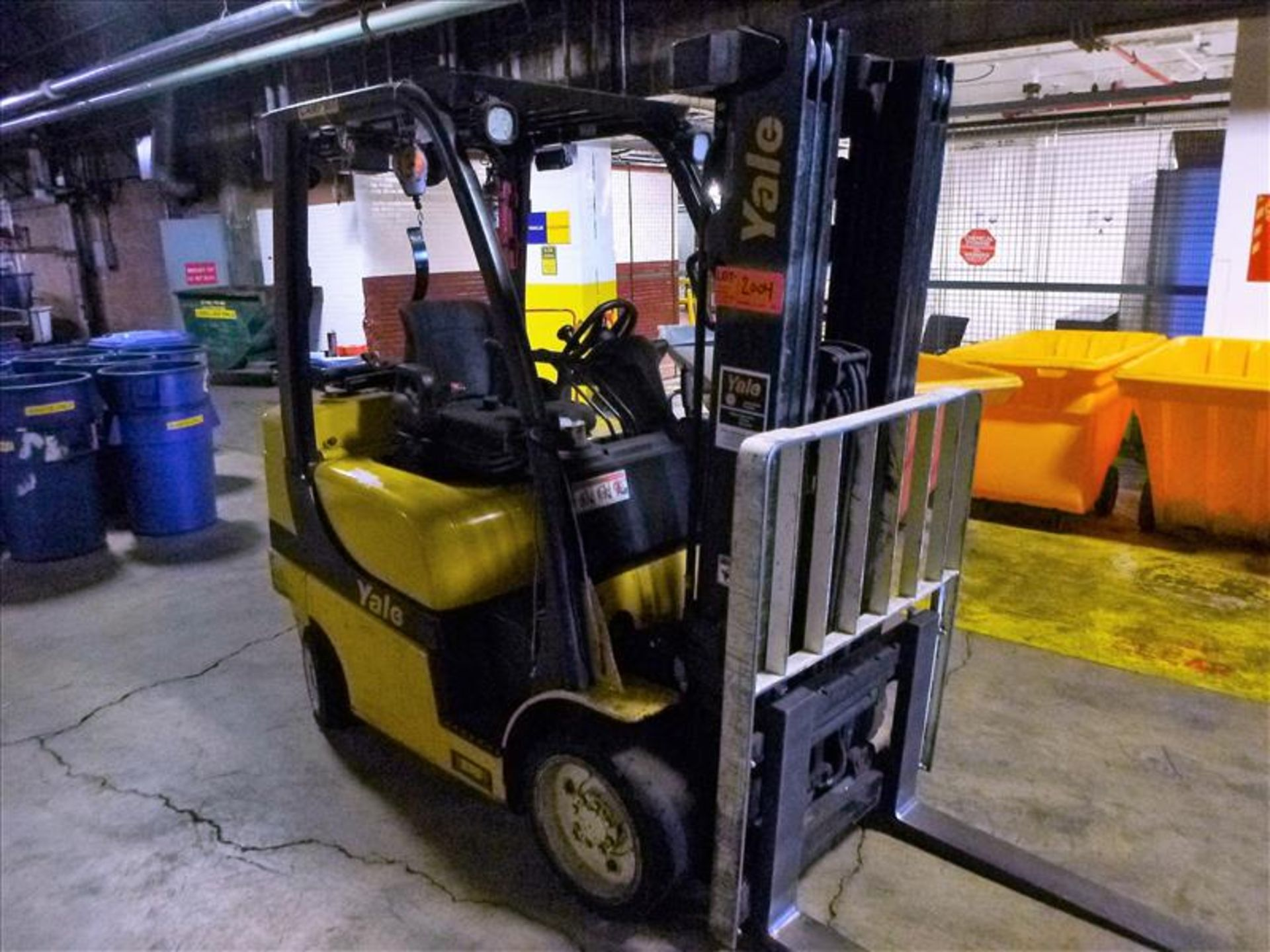 Yale fork lift truck, mod. GLC060VXNDAE085, ser. no. C910V01994N, LPG, 5500 lbs cap., 181 in. lift