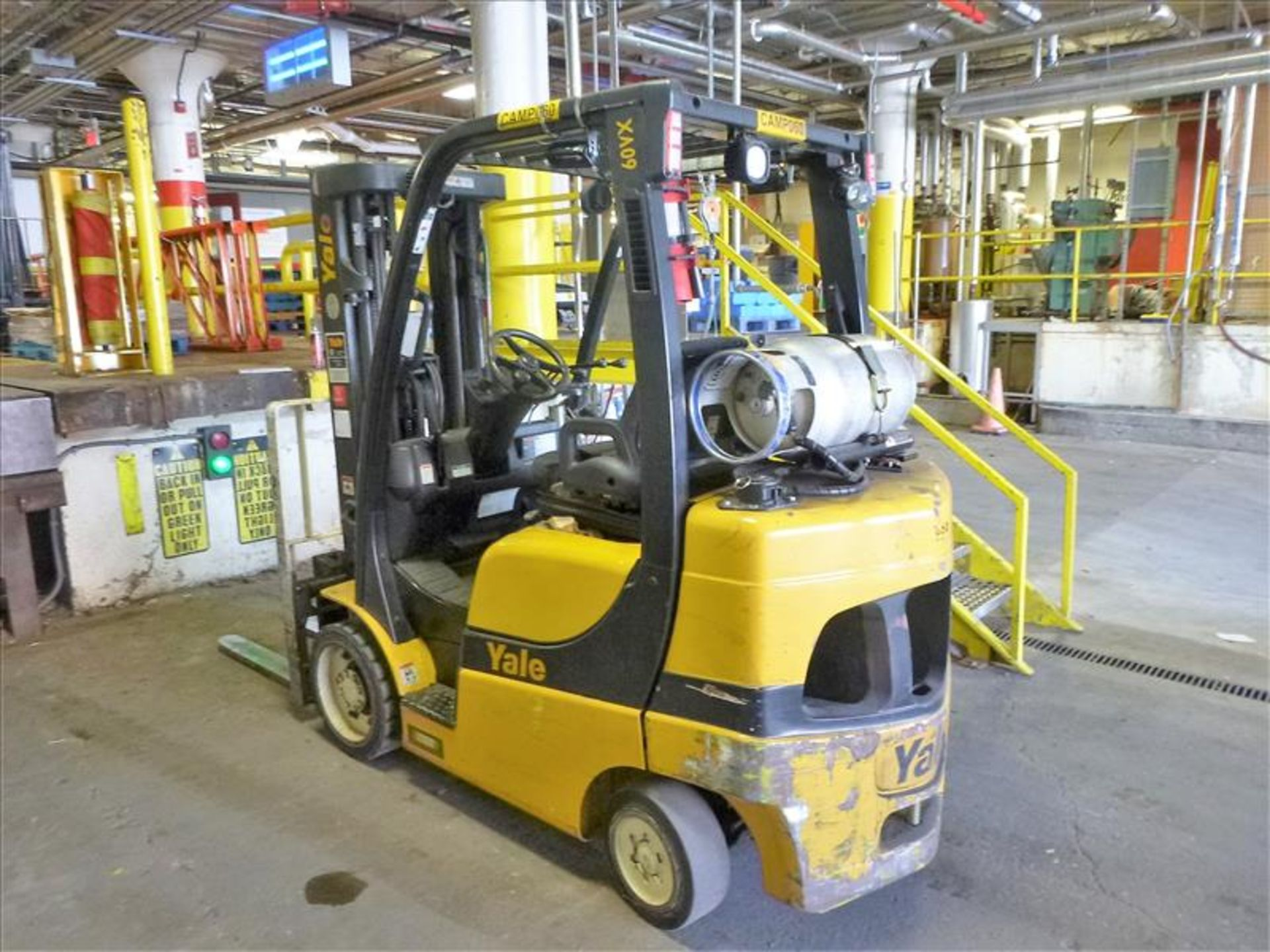 Lot 2006 - Yale fork lift truck, mod. GLC060VXNDSE085, ser. no. C910V01883N, LPG, 5500 lbs cap., 181 in. lift