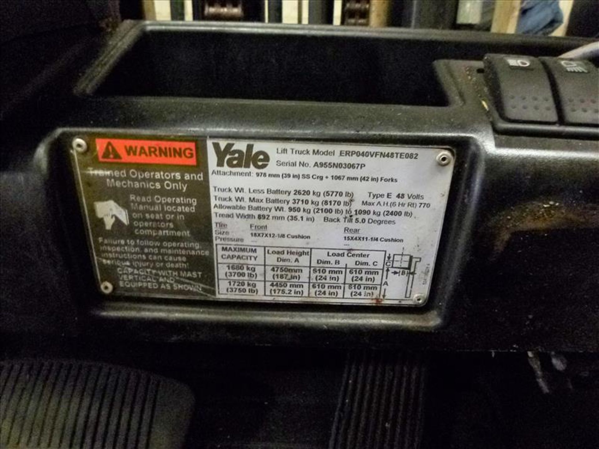 Lot 2015 - Yale fork lift truck, mod. ERP040VFN48TE082, ser. no. A955N03067P, 48V electric, 3700 lbs cap.,