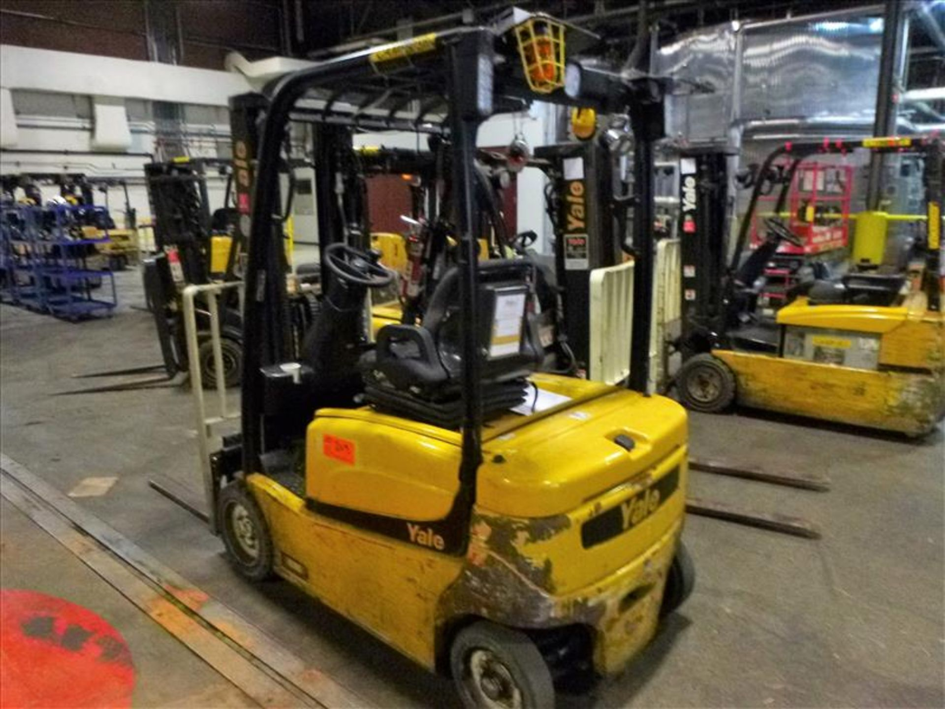 Lot 2013 - Yale fork lift truck, mod. ERP040VFN48TE082, ser. no. A955N02396M, 48V electric, 3700 lbs cap.,