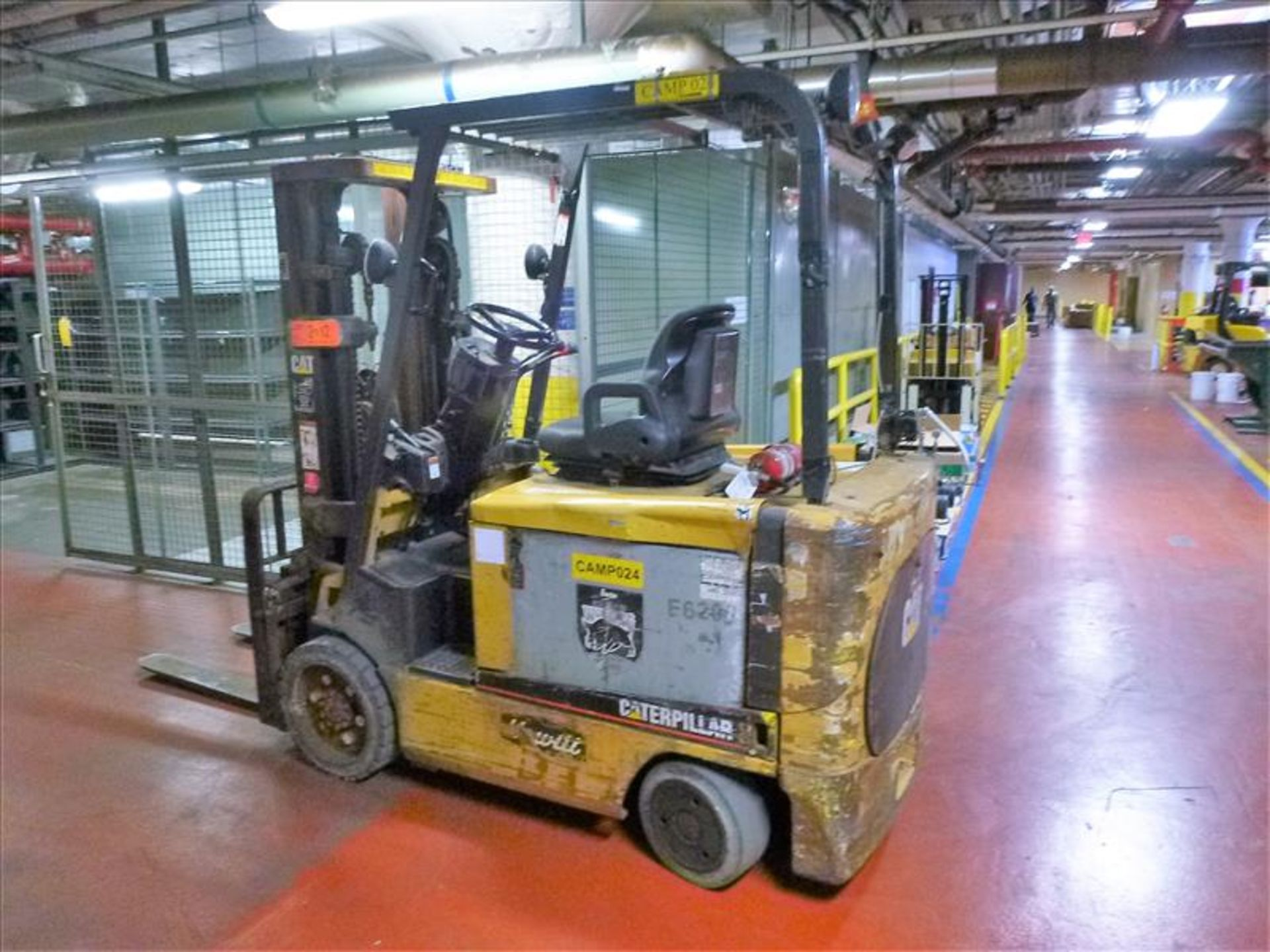 Lot 2012 - Caterpillar fork lift truck, mod. EC30K, ser. no. A3EC310283, 48V electric, 5650 lbs cap., 188 in.