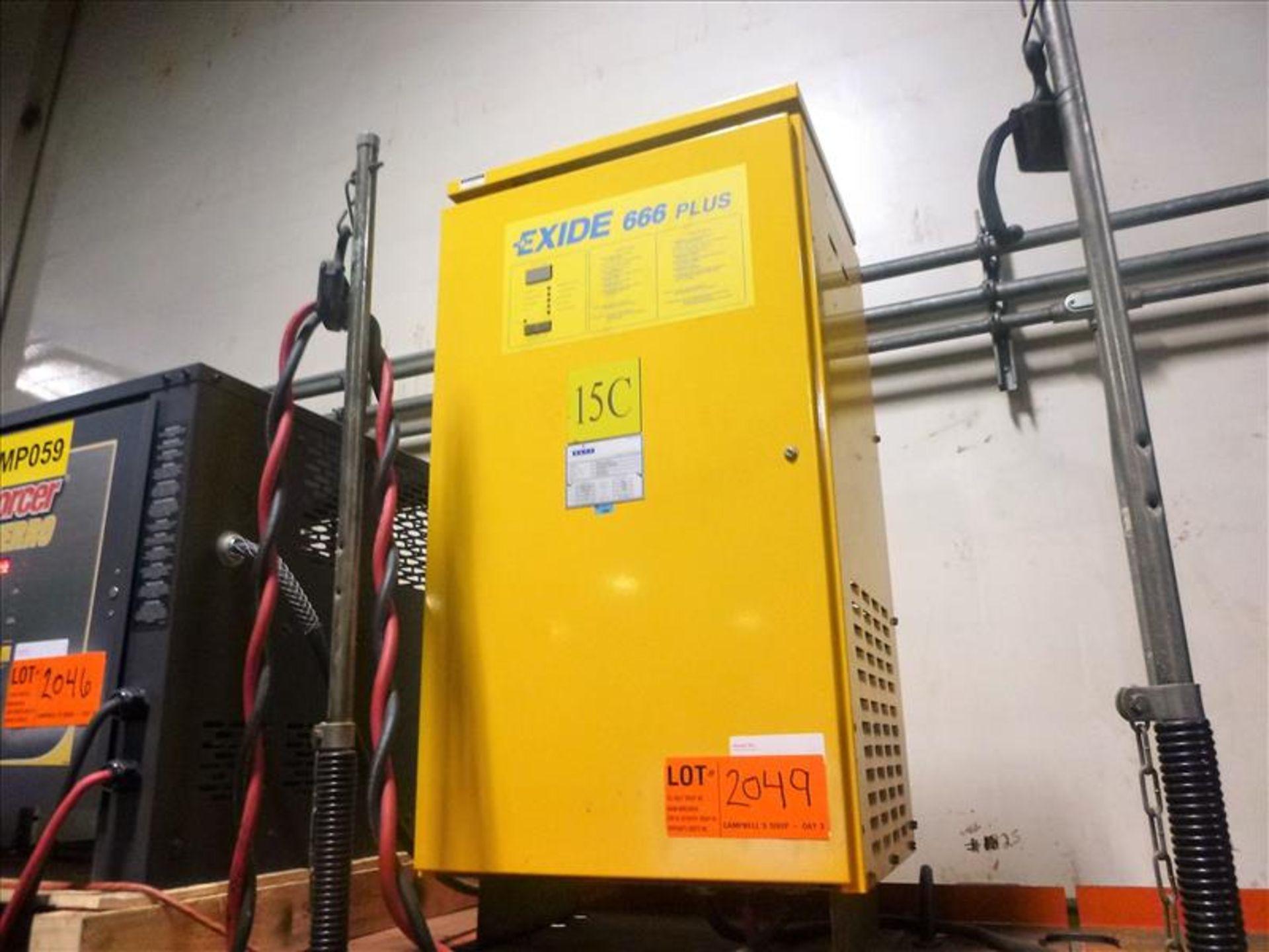Excide 666 battery charger, 12V [Material Handling]