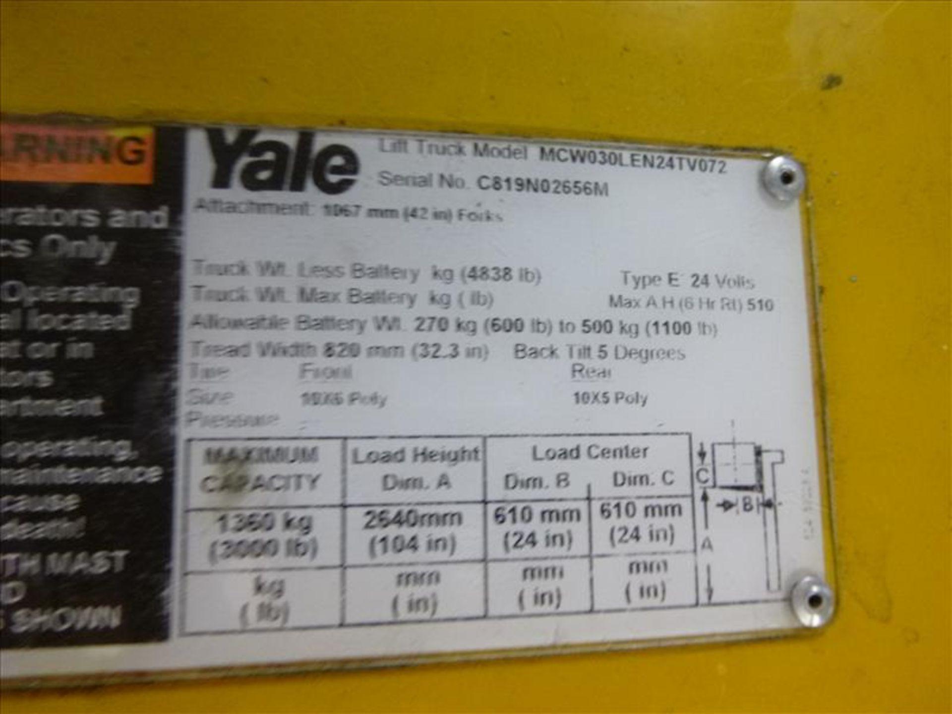 Lot 2026 - Yale walk-behind fork lift truck, mod. MCW030LEN24TV072, ser. no. C819N02656M, 24V electric, 3000