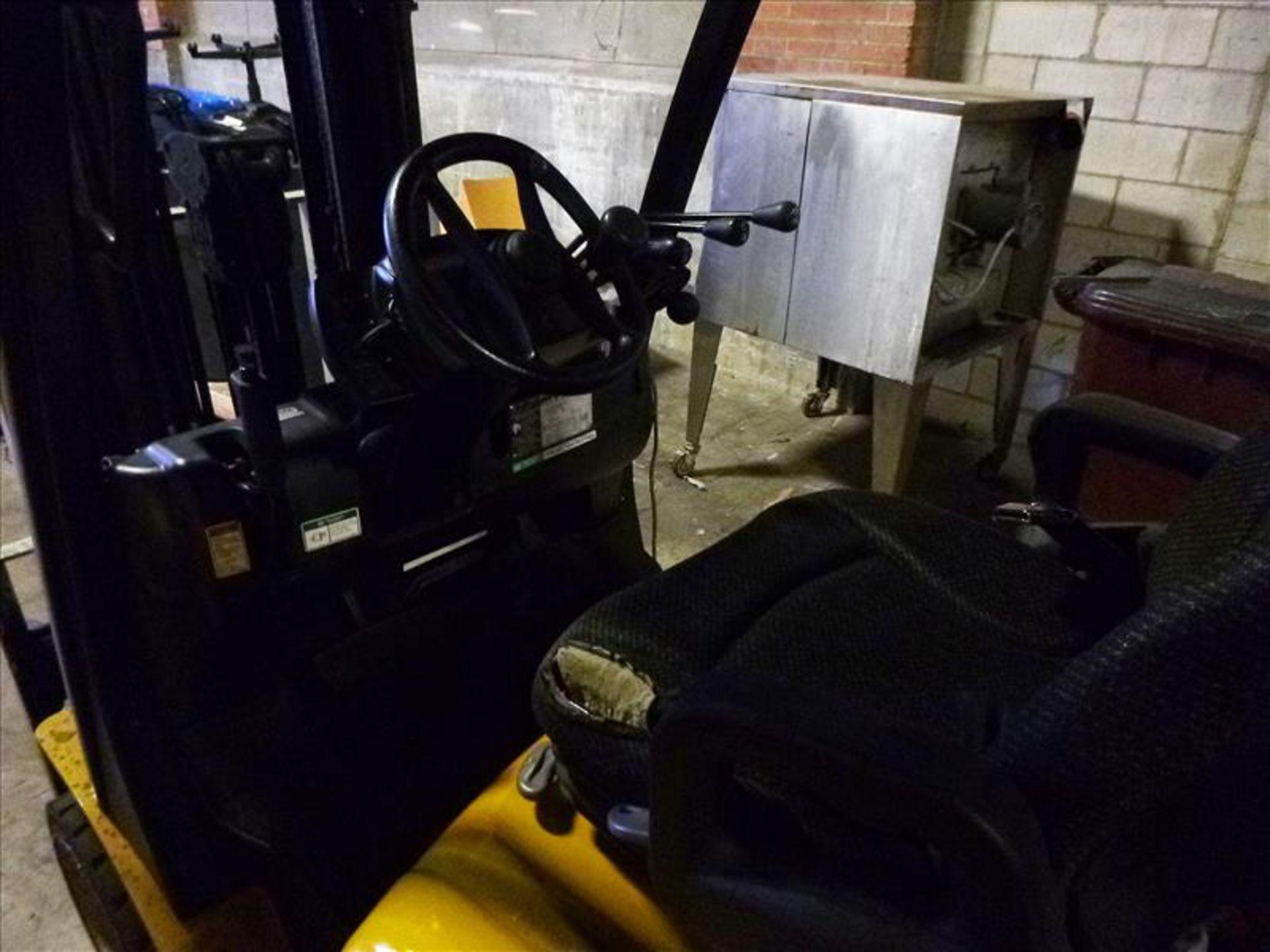 Yale fork lift truck, mod. GLC060VXNDAE085, ser. no. C910V01994N, LPG, 5500 lbs cap., 181 in. lift - Image 3 of 4
