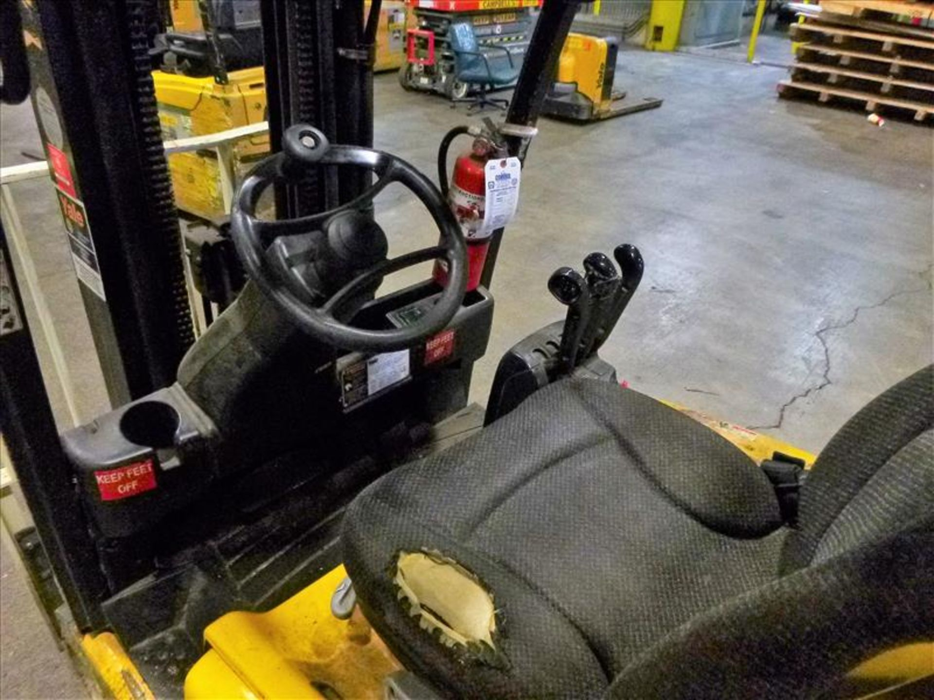 Yale fork lift truck, mod. ERP040VTN48TE076, ser. no. ???, 48V electric, 3800 lbs cap., 169 in. lift - Image 3 of 4