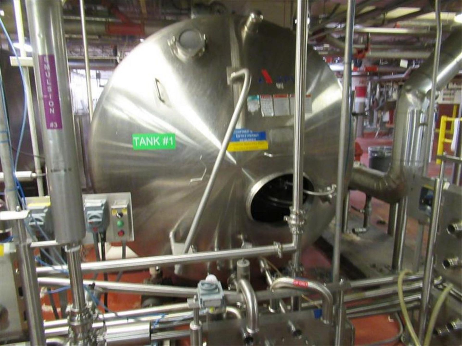 Lot 256 - Stainless Process Equipment tank # 2 ser. no. S7103-1 horizontal, jacketed tank, approx from 2,700