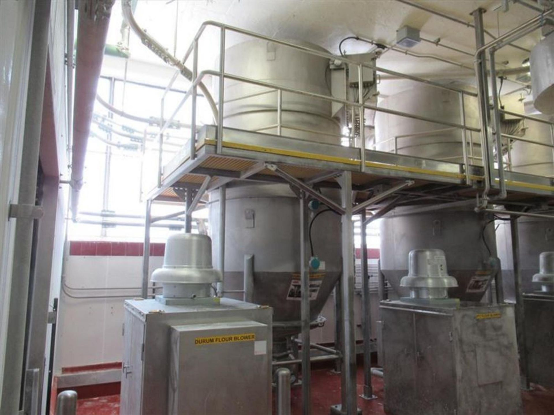 Lot 336 - Schick durum flour receiver approx 6 ft dia x 10 ft h straight x 30 in cone bottom, cone top, with