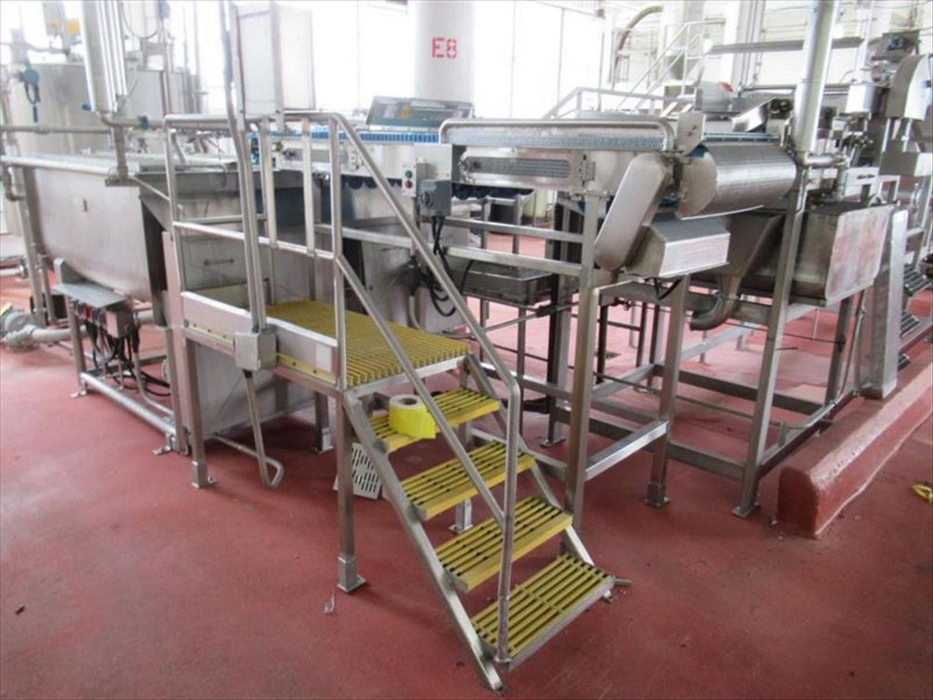 Lot 283 - Rubber belt conveyor with magnet approx 30 in w x 120 in l inspection belt conveyor with PVC