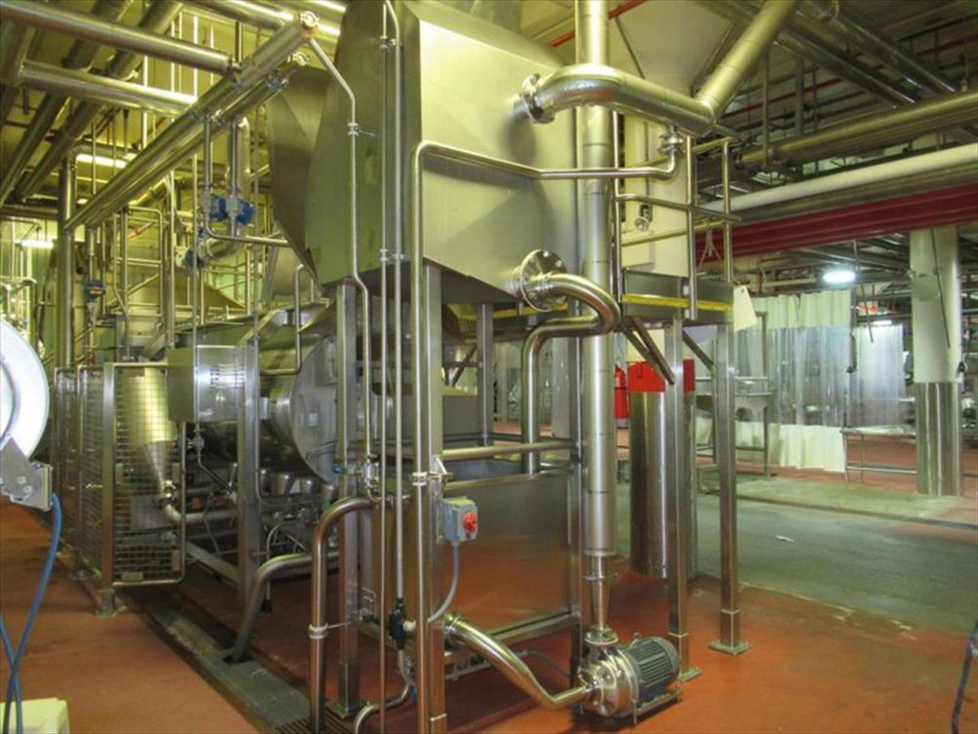 Lot 221 - Andritz hydrosieve mod. no. 5 54 2 36 1 approx 48 in w static screen water separator, all