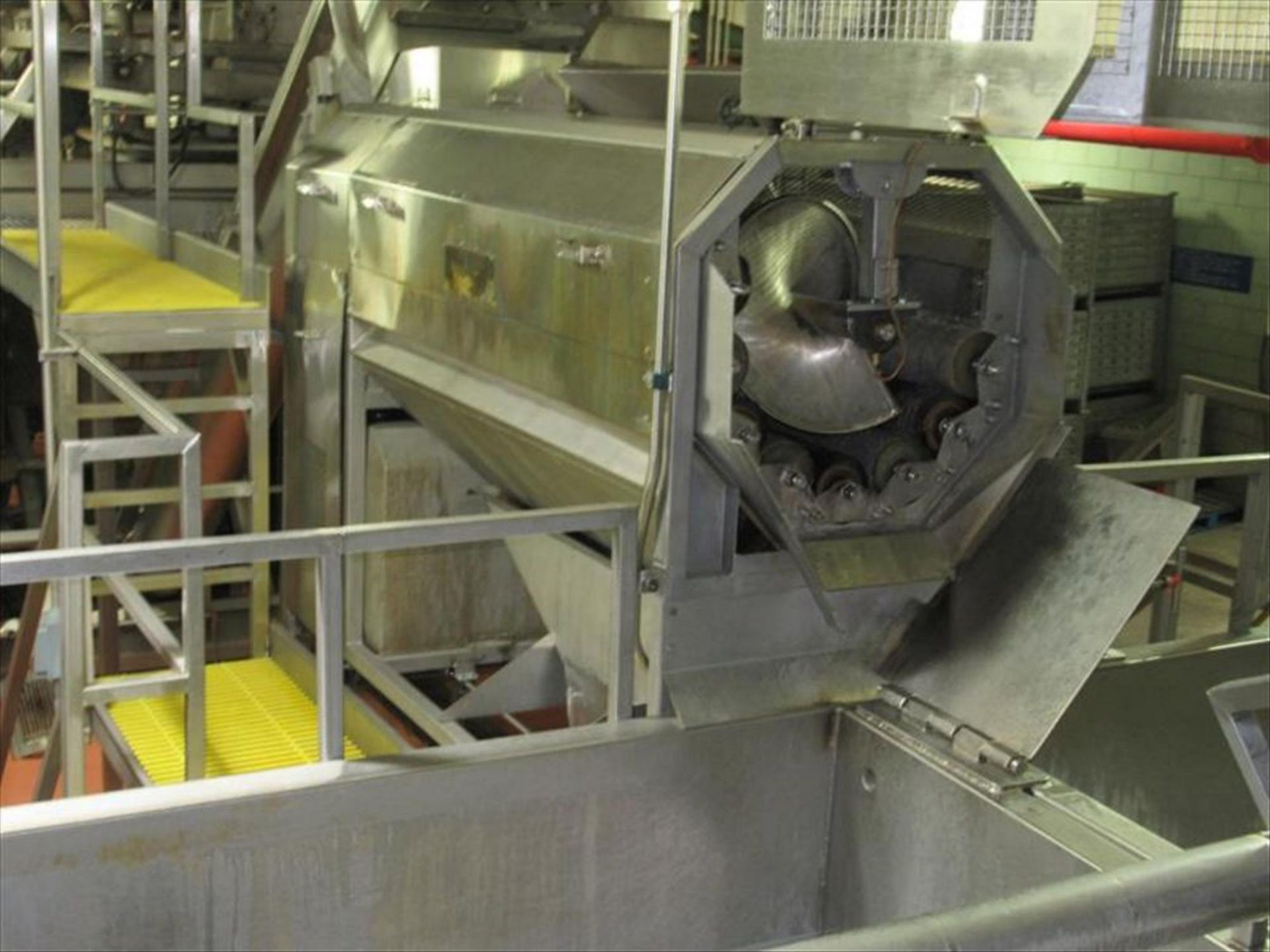 Lot 164 - Abrasive peeler continuous washing feeling machine, 4 brush and 4 abrasive rollers, approx 4000