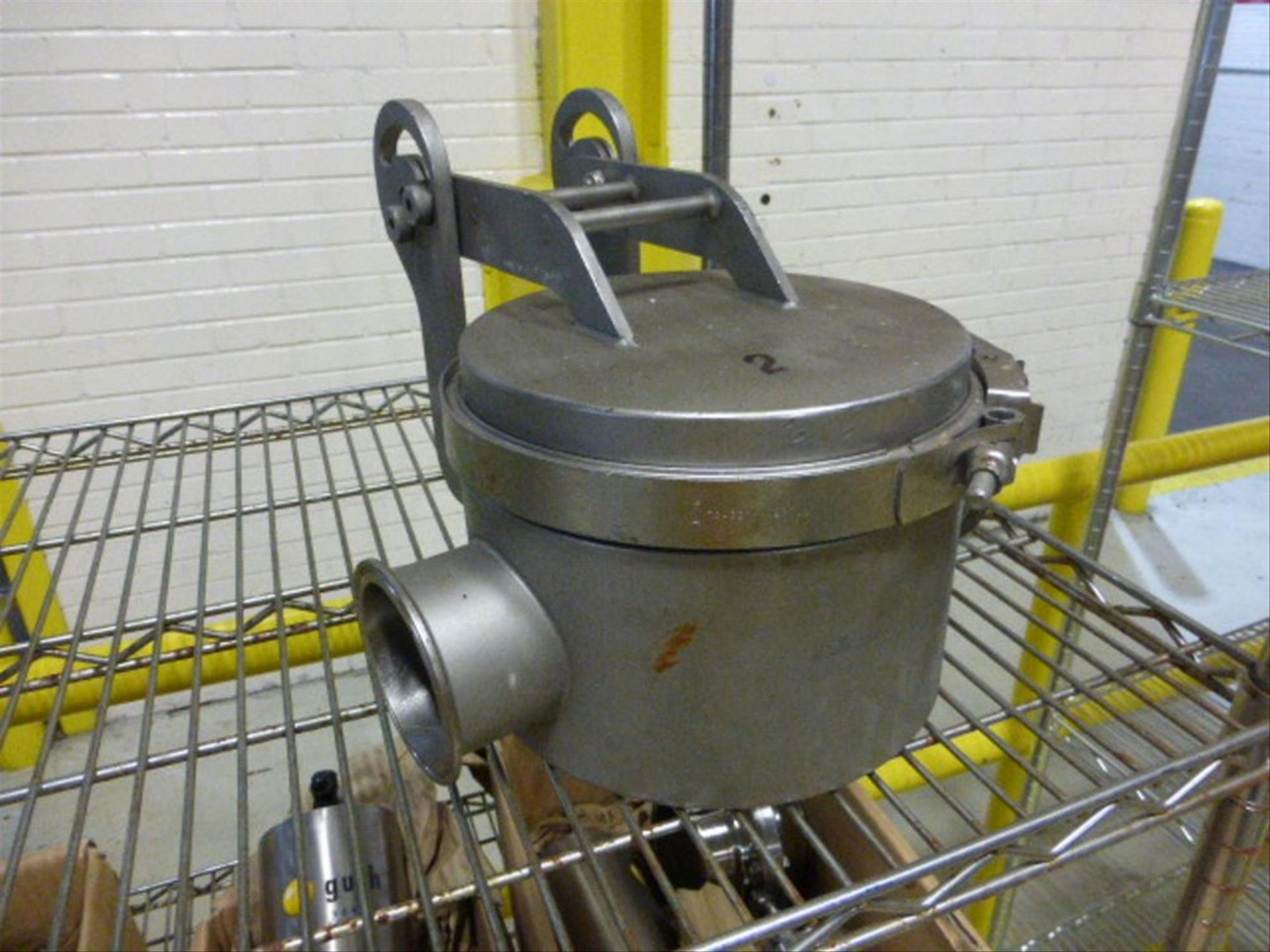 Lot 101 - (2) Bunting stainless 3 in magnetic flow trap [1st Flr Warehouse] (Tagged as Lots 101 and 102)