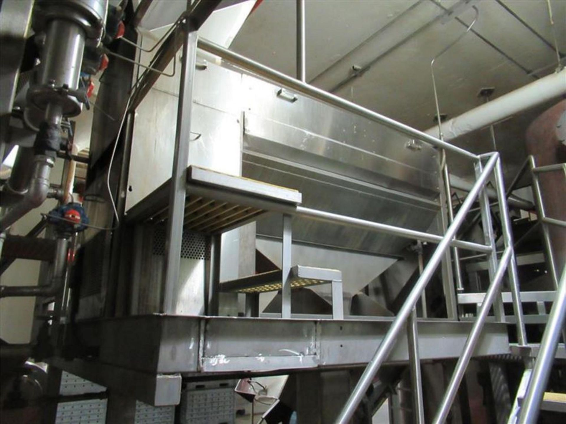 Lot 160 - Brush washer with screw continuous washing / scrubbing machine, 6 brush rollers, spray bar, approx