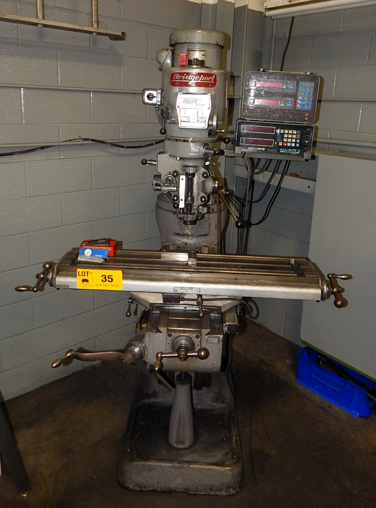 """Lot 35 - BRIDGEPORT SERIES I VERTICAL TURRET MILL WITH 42""""X9"""" TABLE, SPEEDS TO 4200 RPM, 2 HP, ACCURITE 2"""