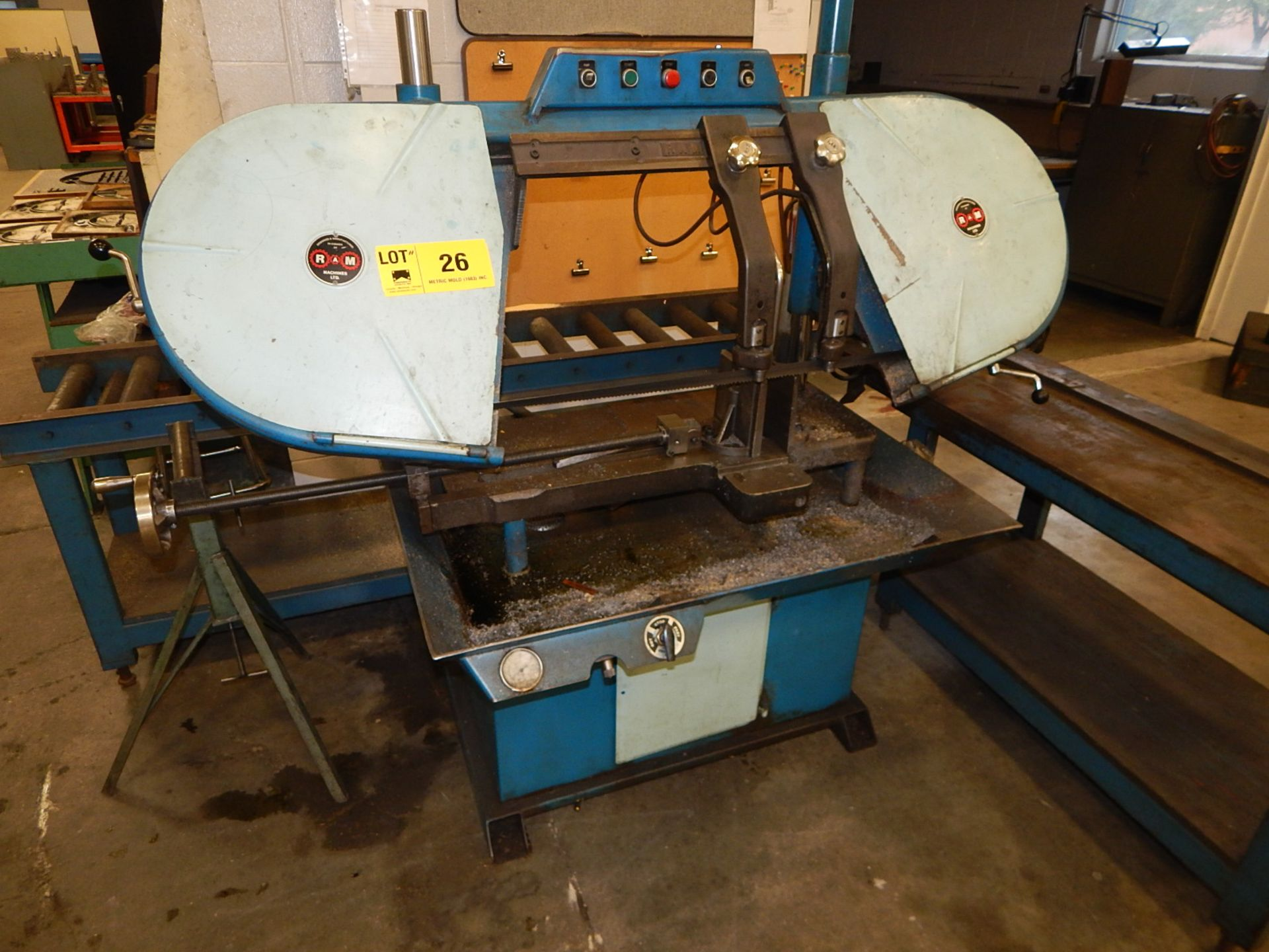 Lot 26 - RAM HORIZONTAL BAND SAW WITH ROLLER CONVEYOR AND TABLE (CI, BUILDING 2)