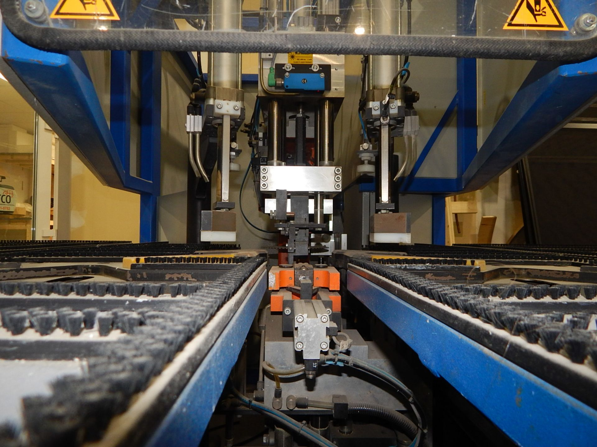 """STURTZ (2003) SE-4AS-TC CNC CORNER CLEANER WITH PC BASED CNC CONTROL, 48""""X65"""" TABLE WITH BRISTLE - Image 4 of 5"""