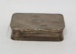 George V rectangular silver pillbox with engine-turned cover, Birmingham 1910, 7cm long, 2oz approx
