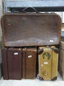 Four vintage suitcases(4)
