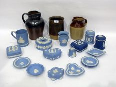 Various items of Wedgwood jasperware to include three Royal commemorative boxes and covers, a
