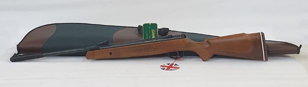 Webley and Scott VMX 177-4.5MM air rifle with green and brown carrying case