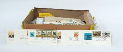 Box of stamps and coversfrom many countries, including Japan (quantity)