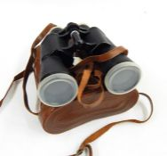 Various binoculars, a vintage video and other cameras (1 box)