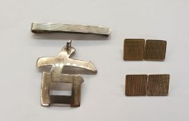 Pair 9ct gold cufflinks, each with double-square engraved terminals; a silver tie clipand a