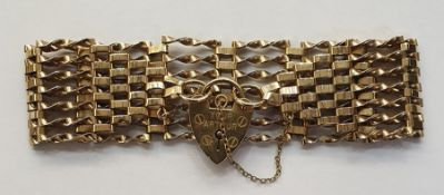 9ct gold seven-bar gate braceletwith padlock clasp, 16g approx Condition Reportthe length is approx
