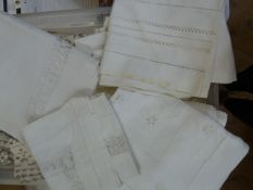 Quantity of table and other linen including tablecloths, cut and drawn thread, damask,