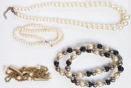 Faux-pearl choker, several strings of faux-pearlsandlarge quantity of loose faux-pearlsin packets