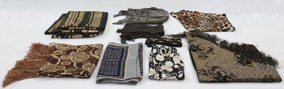 Large quantity of lady's scarves and handkerchiefs in cotton, wool, silk, etc (1 box)
