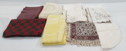Quantity of damask table linen and other table mats and napkins (1 box)