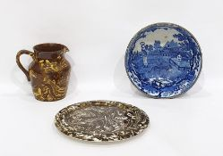 Macintyre marbled pottery circular cheese stand, similar jug and a blue and white bowl (3)