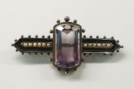 Late Victorian style amethyst-coloured stone and seedpearl bar brooch