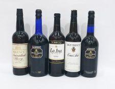 Five bottles of assorted sherryto include Harveys Bristol Cream (5)